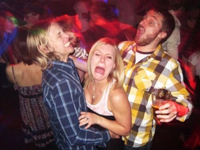 Drunk females end up having an orgy right in the night club  631292