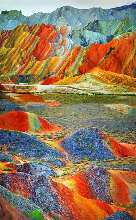 Cvetnye-skaly-Chzhane-Danksia-Kitay-provinciya-Gansu (2)