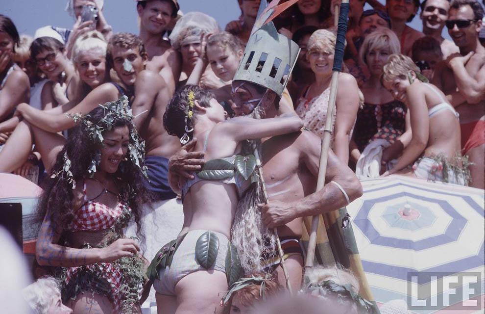 Парад Нудистов