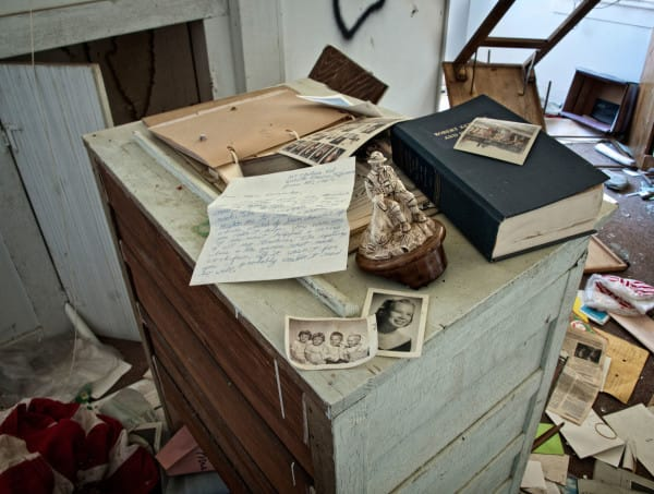 PIC BY MATTHEW CHRISTOPHER / CATERS NEWS - (PICTURED: An abandoned house in Pleasure Beach, CT, 2009.) A photographer has travelled across America snapping the beautiful decay of the countrys abandoned HOUSES. Matthew Christophers eerie images include family heirlooms, rotting furniture and hanging clothes - all left behind by previous tenants. The snapper, 38, whose Abandoned America Facebook page has more than a quarter-of-a-million followers, travelled to New Jersey, Maryland, Connecticut, Indiana and New York for the series - as well as across his home state of Pennsylvania. Matthews reputation for shooting abandoned buildings grew from his haunting pictures of the likes of churches, factories, hospitals and asylums. - SEE CATERS COPY