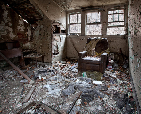 PIC BY MATTHEW CHRISTOPHER / CATERS NEWS - (PICTURED: An abandoned house in Western PA, 2015.) A photographer has travelled across America snapping the beautiful decay of the countrys abandoned HOUSES. Matthew Christophers eerie images include family heirlooms, rotting furniture and hanging clothes - all left behind by previous tenants. The snapper, 38, whose Abandoned America Facebook page has more than a quarter-of-a-million followers, travelled to New Jersey, Maryland, Connecticut, Indiana and New York for the series - as well as across his home state of Pennsylvania. Matthews reputation for shooting abandoned buildings grew from his haunting pictures of the likes of churches, factories, hospitals and asylums. - SEE CATERS COPY
