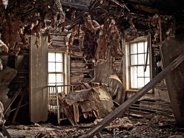 PIC BY MATTHEW CHRISTOPHER / CATERS NEWS - (PICTURED: An abandoned house in Central Pennsylvania, 2008.) A photographer has travelled across America snapping the beautiful decay of the countrys abandoned HOUSES. Matthew Christophers eerie images include family heirlooms, rotting furniture and hanging clothes - all left behind by previous tenants. The snapper, 38, whose Abandoned America Facebook page has more than a quarter-of-a-million followers, travelled to New Jersey, Maryland, Connecticut, Indiana and New York for the series - as well as across his home state of Pennsylvania. Matthews reputation for shooting abandoned buildings grew from his haunting pictures of the likes of churches, factories, hospitals and asylums. - SEE CATERS COPY