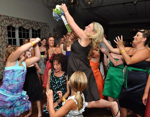 букет невесты ловить