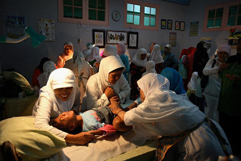 женского обрезания фото