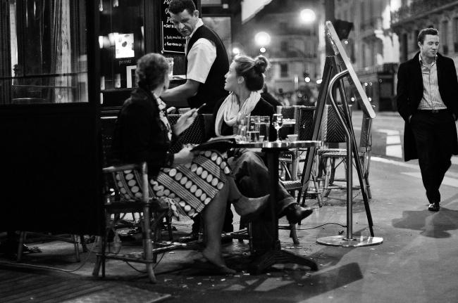16626265-Cafes_night_Paris_2-1471609346-650-b076eb260d-1471933845