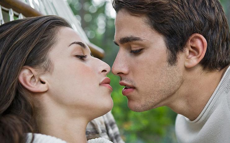 Аж слюнки текут: 10 ошибок при поцелуе