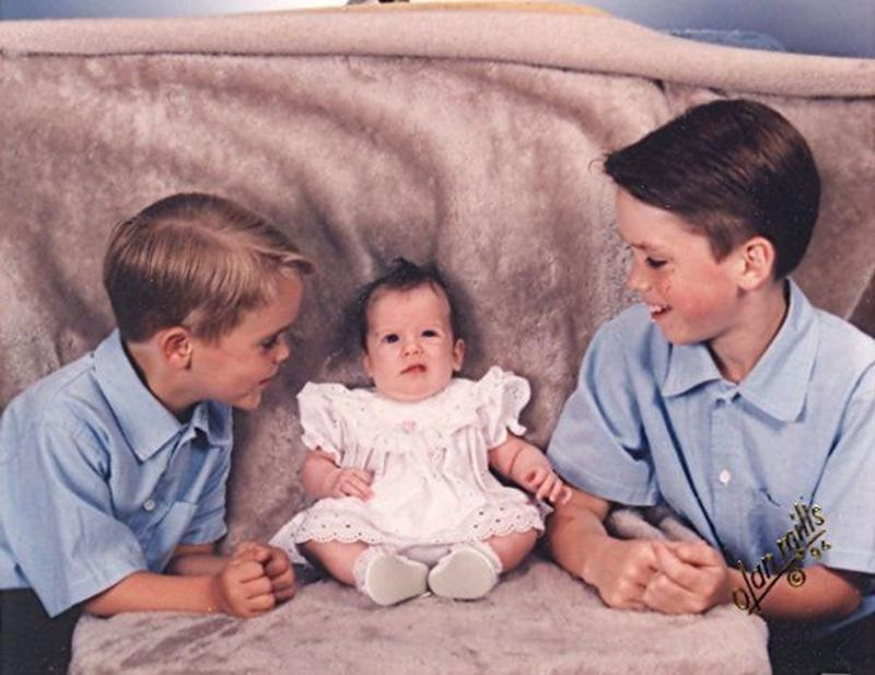 family-picture-baby-awkward-620x