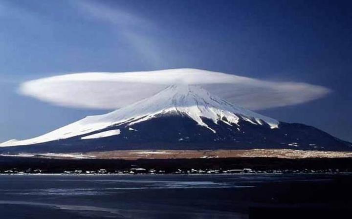 mt-fuji-cloud-hat1