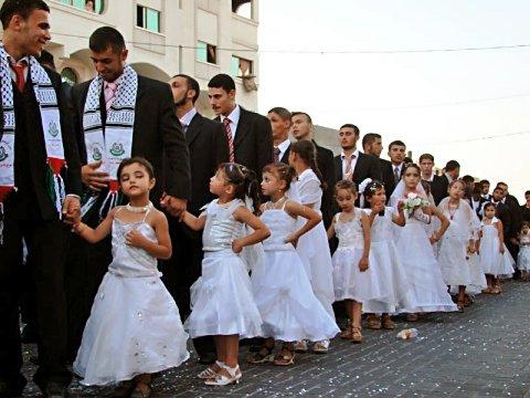 Жуткая брачная ночь для 13 летней невесты что сделал с ней муж
