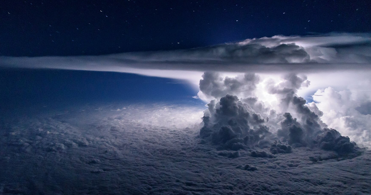 pilot-thunderstorm-from-above-santiago-borja-fb