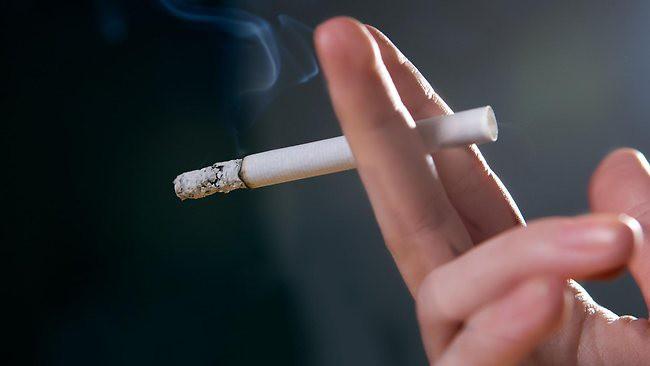 woman-smoking-650x366