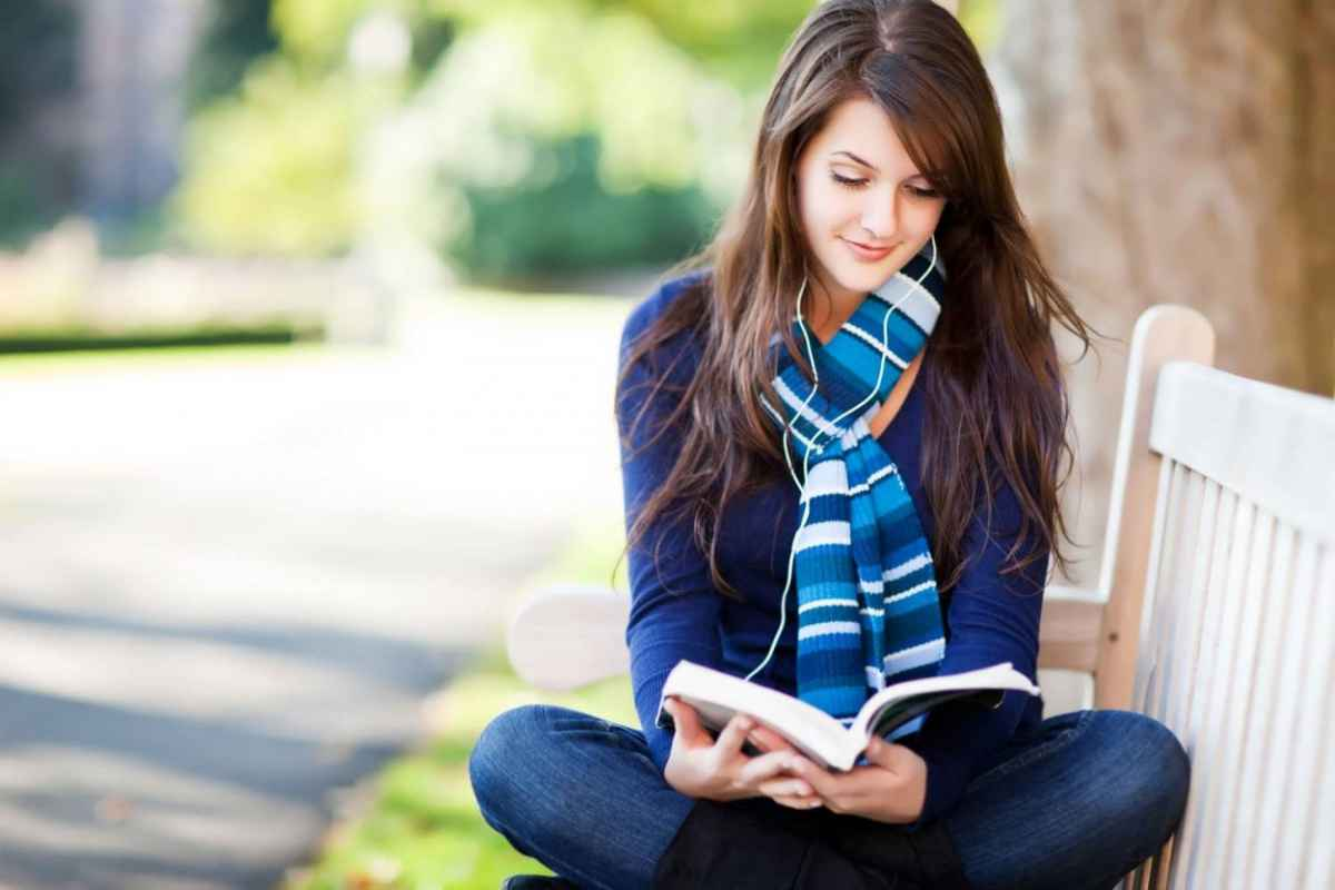 Girl-Reading-Book-1250x833