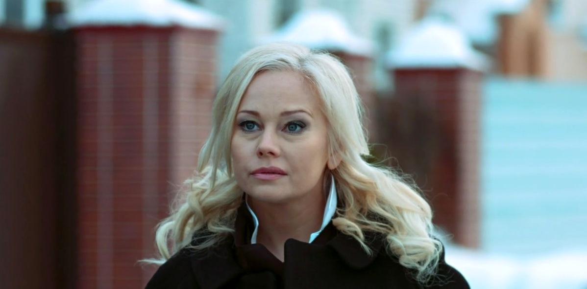Помните фильм «Бедная Настя»? Посмотрите, как молодо выглядит Елена Корикова. Годы не властны над ней