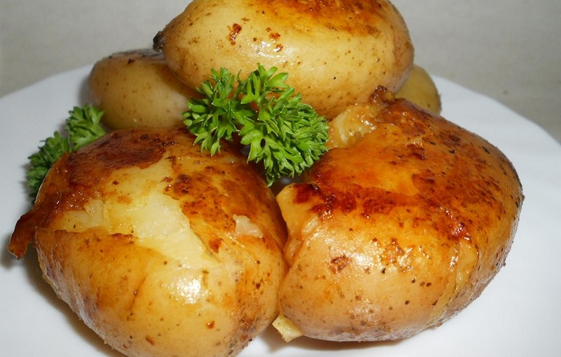 Стоит добавить этот ингредиент, чтобы картофель буквально таял во рту!