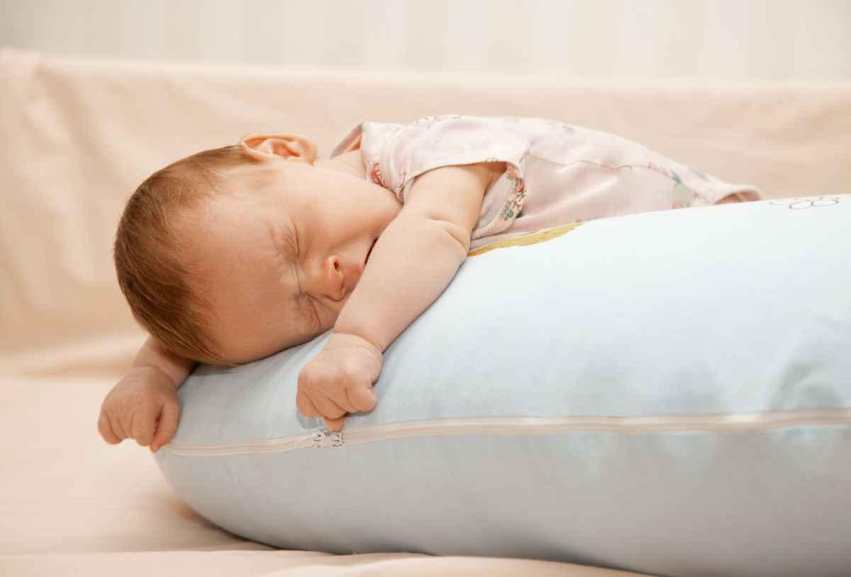 спят дети картинки