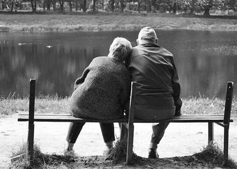 Картинки пожилых пар со спины