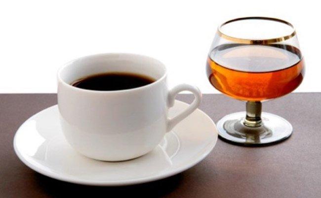 Какие лекарства ни в коем случае нельзя пить после кофе и спиртного