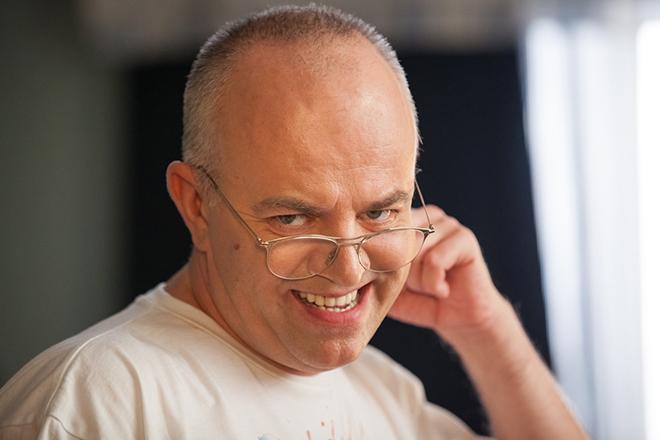 «Называет себя «еврейским папочкой» и…»: узнайте, почему звезда «Универа» Алексей Климушкин прячет свою семью