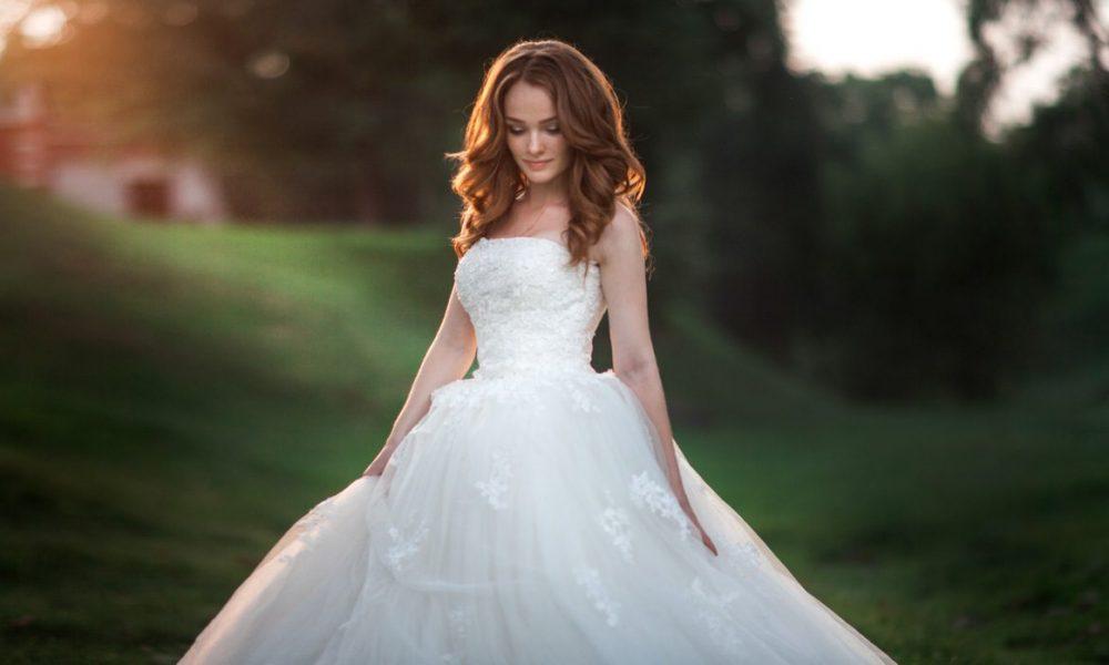 Одна деталь свадебного платья помогла  невесте избежать  трагедии