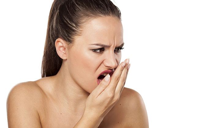 Плохой запах изо рта, выпадение зубов: Это все предупреждает нас о…