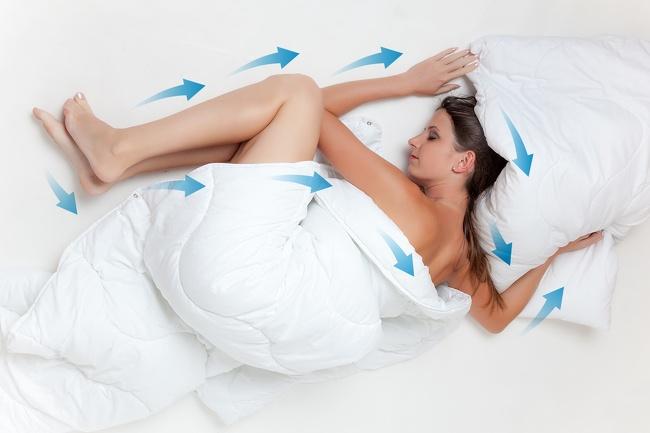 Вы до сих пор спите в пижаме? Вот почему сон без одежды лучше для нашего здоровья