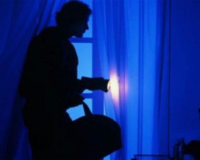 Женщина не могла прийти в себя когда смотрела видео из камер наблюдения в доме