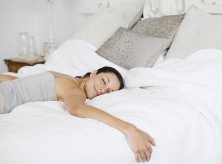 Эксперты назвали продукты, которые могут помочь уснуть