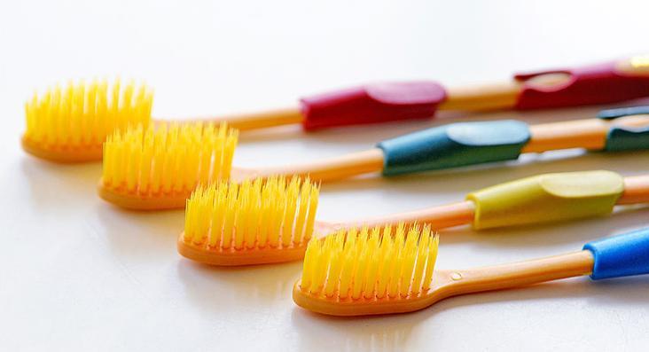 пятна после отбеливания зубов