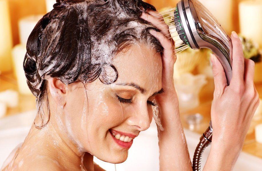 Советы, которые смогут помочь вам правильно мыть волосы, чтобы они быстро не жирнели