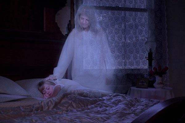 Если покойный родственник приходит к вам во сне, вот что это может значить