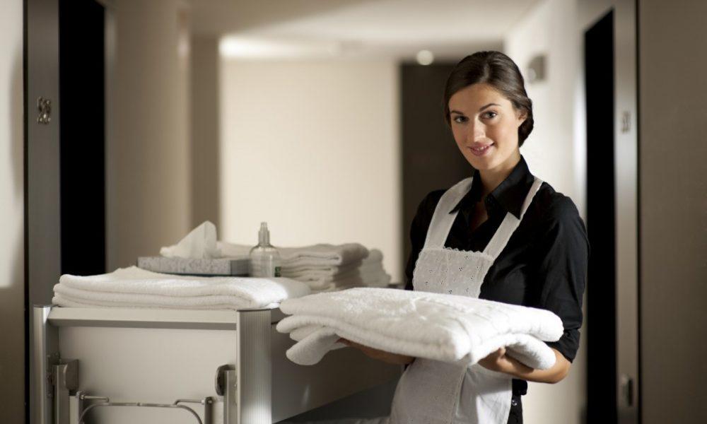 11 хитростей для уборки, которыми пользуются профессиональные горничные