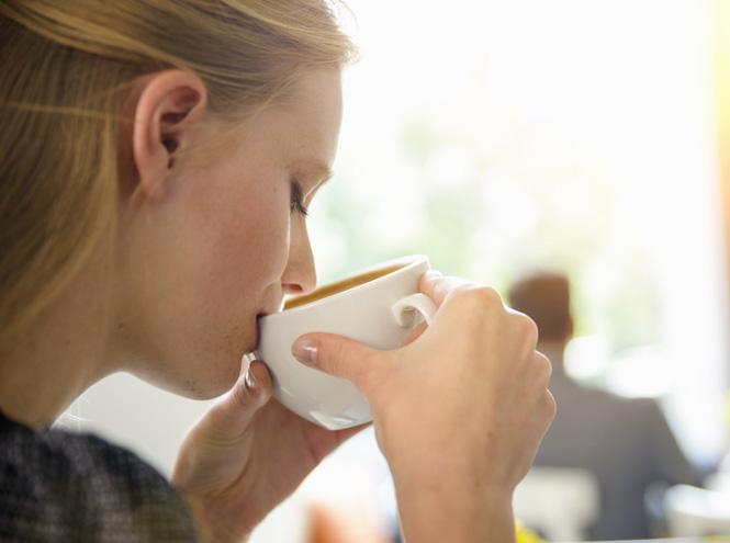Не кофе единым: эксперты назвали напитки, которые могут помочь быстро взбодриться утром