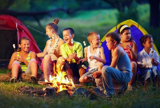 Это должна была быть веселая поездка в лагерь. Но воспоминания остались не лучшие. Не понимаем, за что они так…