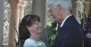 «Мама хранила газетную вырезку в кошельке в течении 35 лет»: они должны были пожениться, но отец запретил…