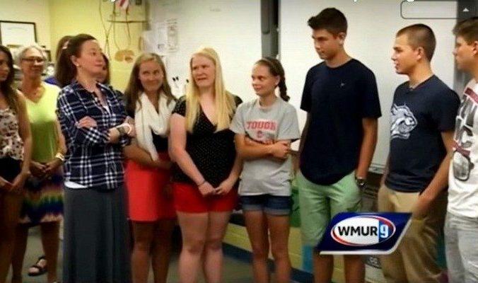 Школьники накопили почти 10 тысяч долларов на поездку мечты, но отдали все деньги директору школы