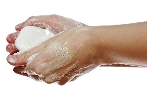 Твердое мыло: правда ли оно убивает бактерии или это миф?