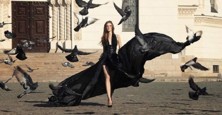 Как одеваться, чтобы сделать акцент на ногах: 5 идей от супермодели Хэйли Бибер