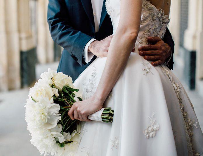 «Мне ужасно повезло, что я тебя нашел, но для этого меня должны были арестовать за убийство»: миллиардерша выходит замуж за мужчину на пожизненном