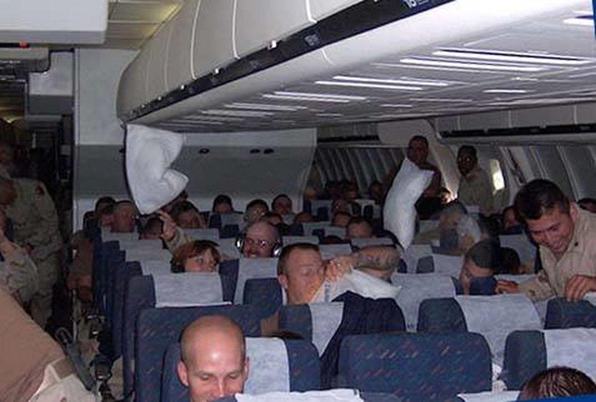 Эта история случилась в самолете, и началась она с того, что один пассажир услышал разговор двух мужчин | Истории | Отдых