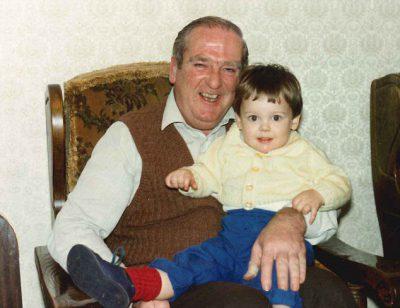Дедушка оставил наследство человеку, который, по его мнению, заслуживал этого больше, чем его семья