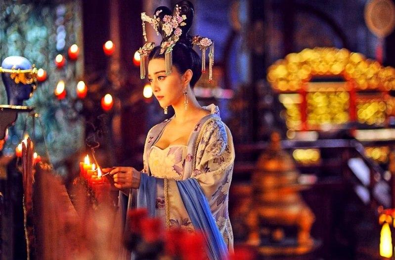 Император считал ее самой страшной женщиной в гареме — пока не пожелал увидеть лица
